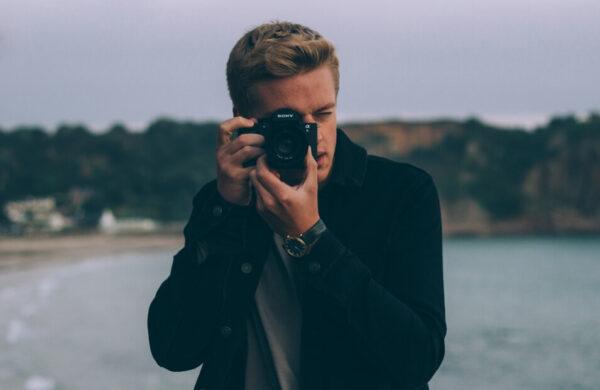 摄影师老爸拍女儿0~20岁 5分钟看女大18变(视频)