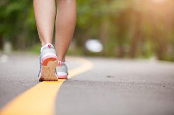 當你走路時 會增加大腦的血流量(組圖)