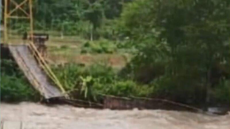 疑不堪負重 印尼蘇門答臘橋塌7死3失蹤