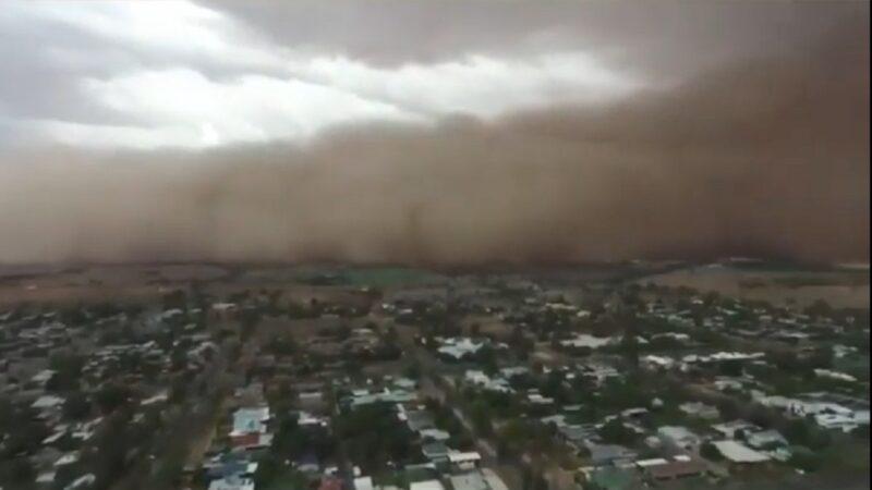 澳洲东部遭沙尘暴冰雹席卷 惊悚宛如末日场景