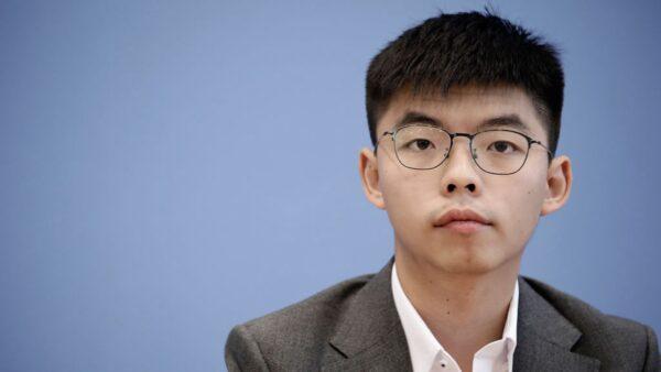 台湾大选临近 黄之锋吁青年:用选票守护民主