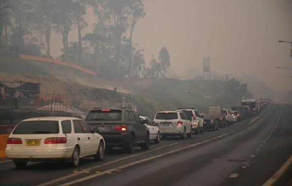 澳洲本週末熱浪加劇助長野火 下令強制疏散居民