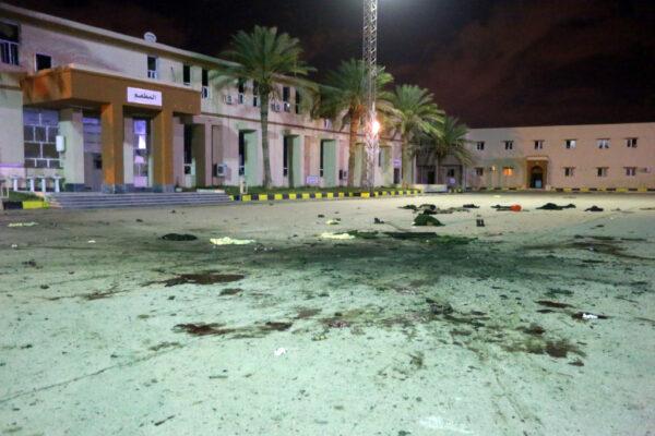 利比亞軍事學校閱兵場遭空襲 至少28死
