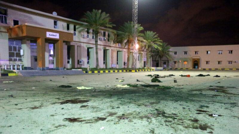 利比亚军事学校阅兵场遭空袭 至少28死