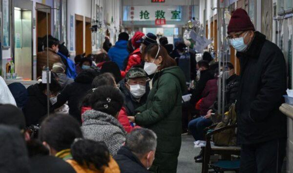 海外專家:疫情不可控 武漢病毒或將與人類共存