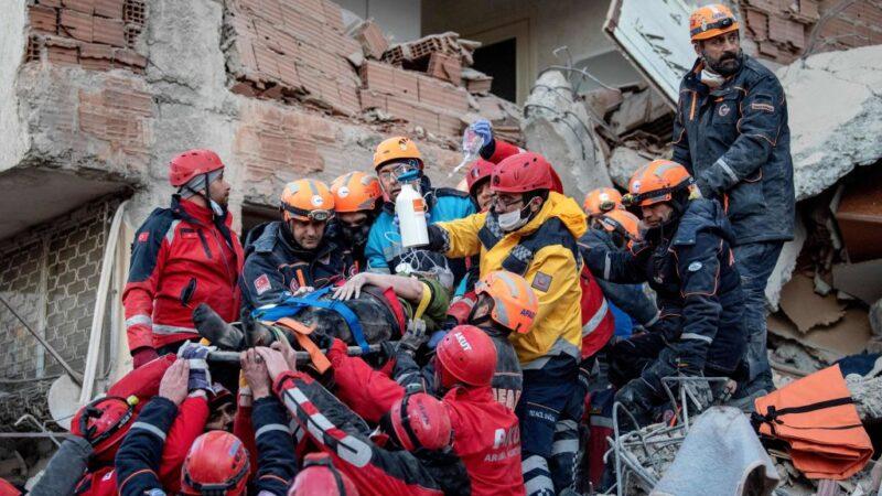 土耳其強震已釀31死 28小時後母女紛獲救(視頻)