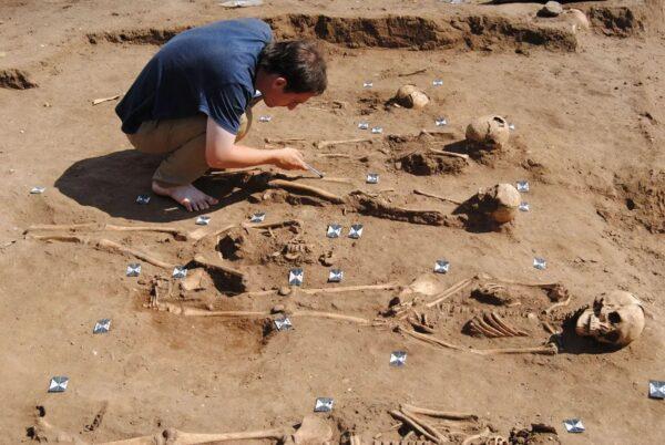 考古發現黑死病人集體墳墓