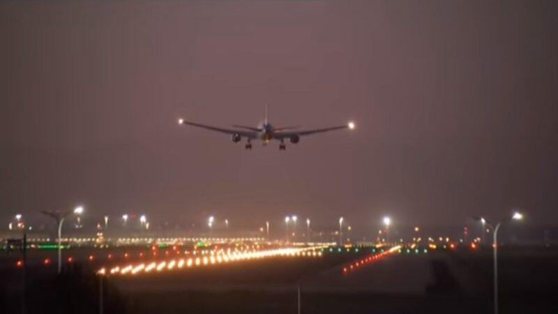 空中惊魂4小时 加航起飞后出问题平安返降(视频)