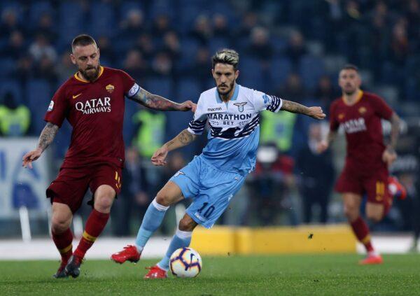 意大利传奇球星施展易容术 与球迷同看比赛