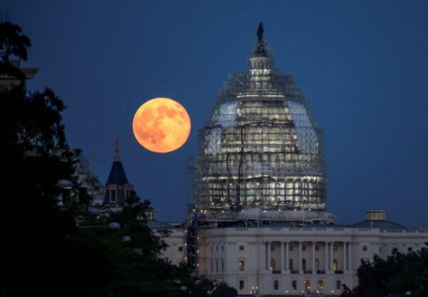 月球上的城市!1968年NASA封存視頻曝光