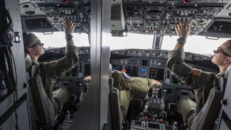 美海軍:中國驅逐艦以不安全和不專業方式激光照射美巡邏機