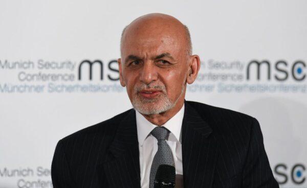 """阿富汗总统甘尼顺利连任 对手批""""不公义"""""""