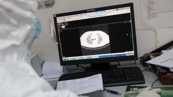疫病「康復標準」遭質疑 武漢規定出院再隔離14天