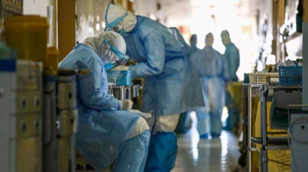 上海支援武汉医生:10天里前8天只有死人出院(视频)