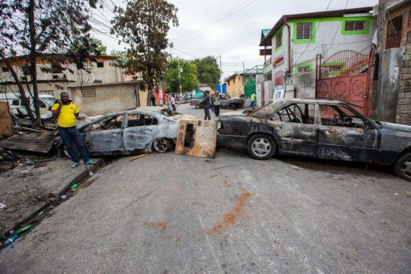 要求加薪 海地軍警起衝突 首都封城