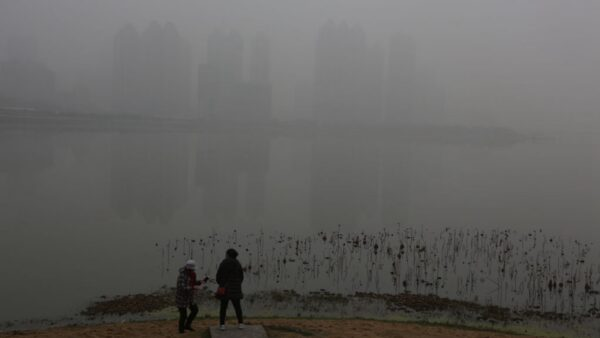 詭異霧霾籠罩中國 網友:這是「屍霾」(視頻)