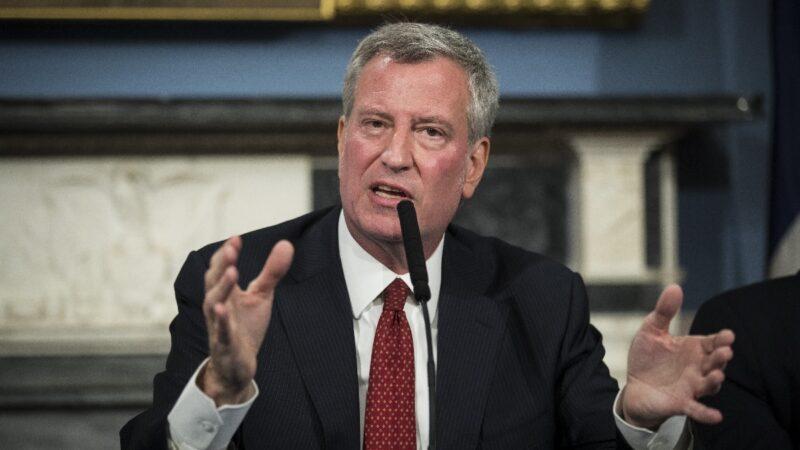 2成员遭枪手伏击 纽约警察工会向市长宣战