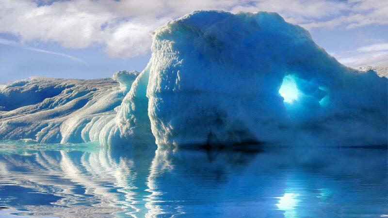 南極破20度高溫 出現大型冰裂 狀況堪憂