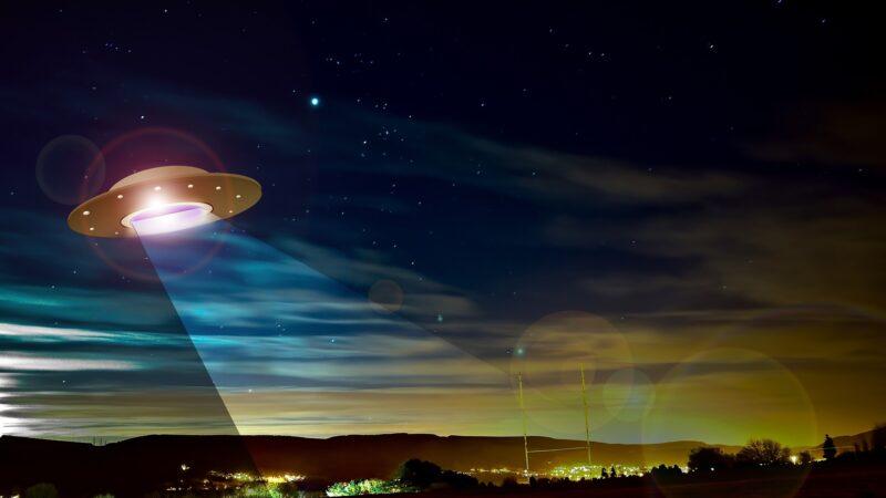科研人員觸摸到了飛碟 還與外星人溝通