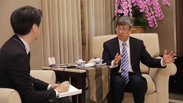 顏丹:全球防疫可借鑑台灣的深意