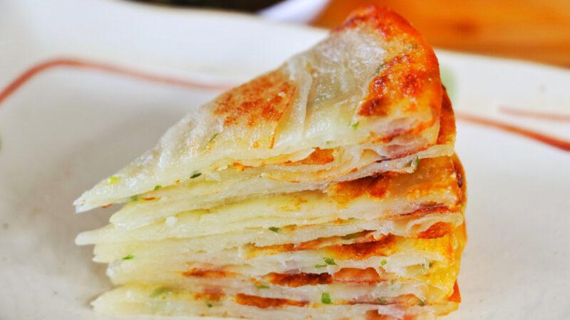【美食天堂】葱油饼的家庭做法~酥脆可口~老少都爱!家常料理食谱 一学就会