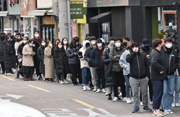 """韩新增376例累计3526例 疫情进入""""危急时刻"""""""