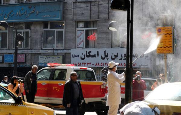 飲私酒防武漢病毒 伊朗44人中毒身亡