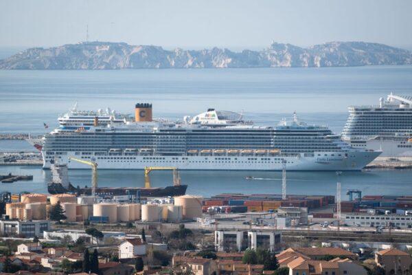 搭载1421名乘客意游轮 36人确诊639名乘客已下船