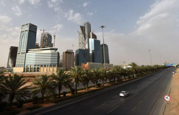 军方空中拦截飞弹 沙特抗疫宵禁仍不宁静