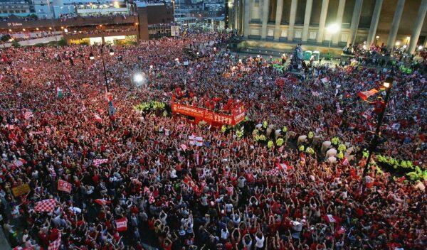 连进三球!伊斯坦布尔的逆转奇迹——体坛难忘瞬间(十六)