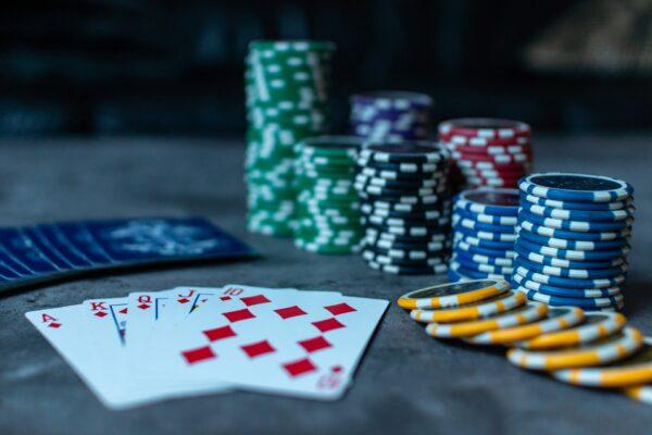少卖900亿 彩票没人买?彩民:庄家比赌场还黑
