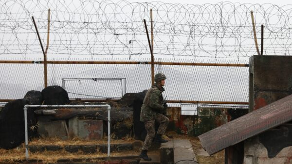 朝鲜人偷渡遭中共军人枪击 送医后发现染疫