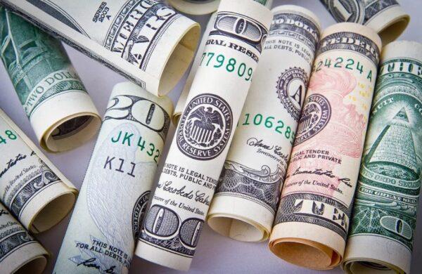 美國給人民「發錢」VS中共讓人民「自願捐款」(圖)