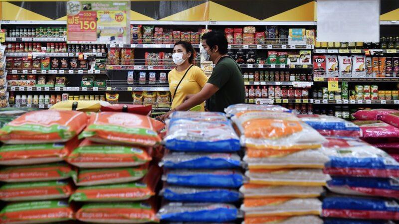 抢完口罩又抢粮?中共扫全球5000万吨稻米