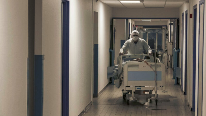 【抗疫良方】武漢一家三口人染疫 同學幫忙找到救治方