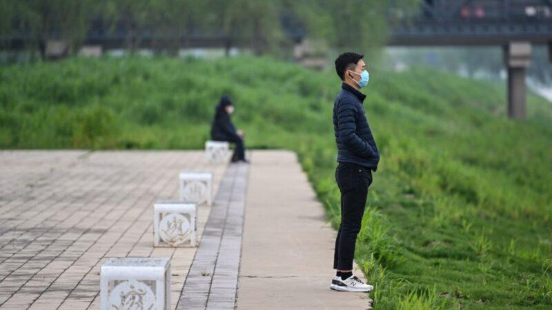 """""""解散中共""""此起彼伏 美媒:疫情唤醒中国年轻一代"""