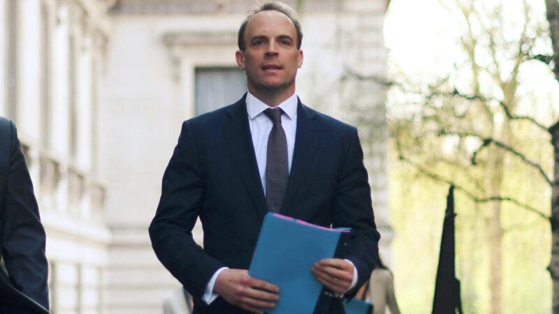 英代理首相拉布:将追究中共责任 绝不退缩