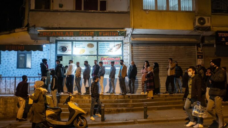 土耳其麵包之亂 內政部長閃辭 總統不准