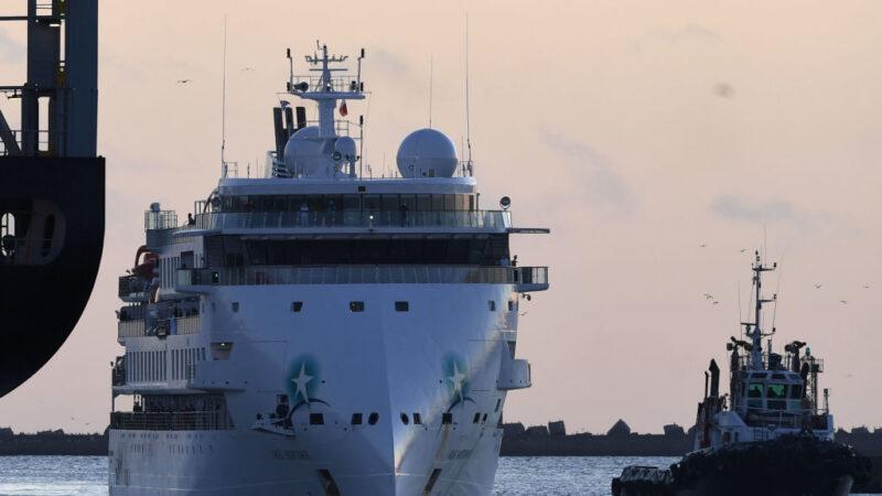 海漂兩週逾百人染疫 澳洲郵輪終靠烏拉圭港口