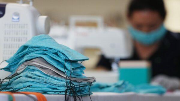 紐時:疫情爆發後 中共5週掃光全球20億個口罩