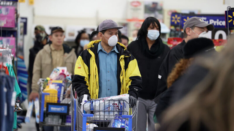 CDC建議民眾戴口罩出門 川普:自願非強制