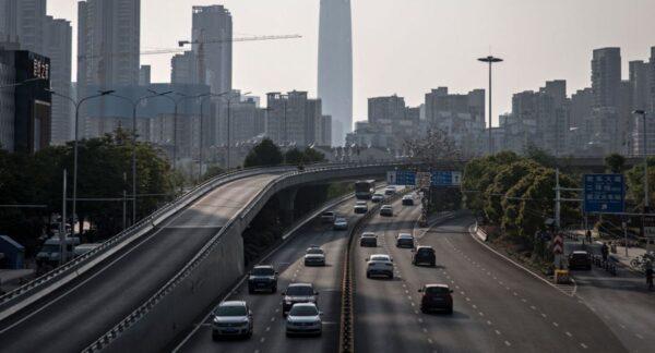 中國高速路收費暴漲 民間現攔路收費亂象