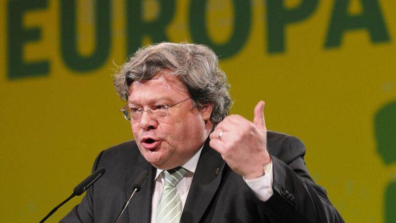 中共絕望討讚 歐洲議會對華小組主席:搬石砸腳