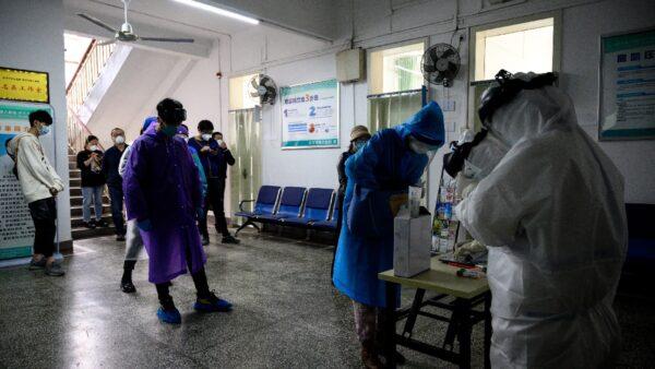 武漢官宣打破「清零」 無疫小區突爆社區感染