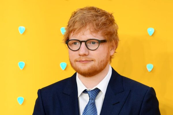 """英最吸金年轻音乐人 红发艾德身家2亿击败""""哈利波特"""""""