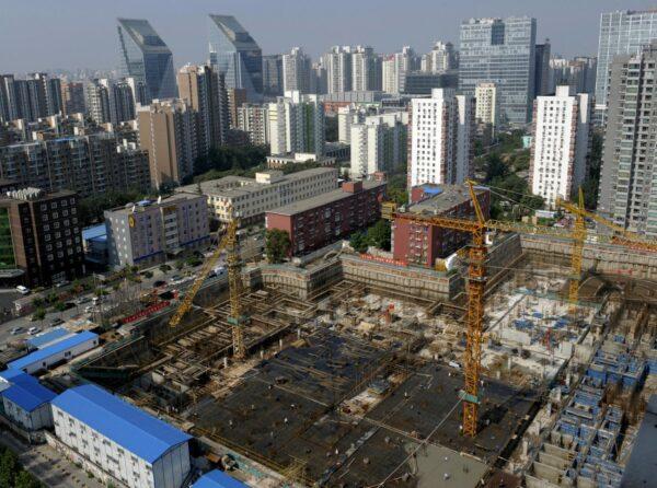 中国起草房地产税法 太缺钱了?