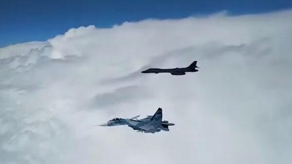 美B-1B轟炸機黑海演習 俄戰機升空「伴飛」