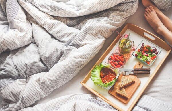 睡覺老是腿抽筋的原因是甚麼?3招來應對(組圖)