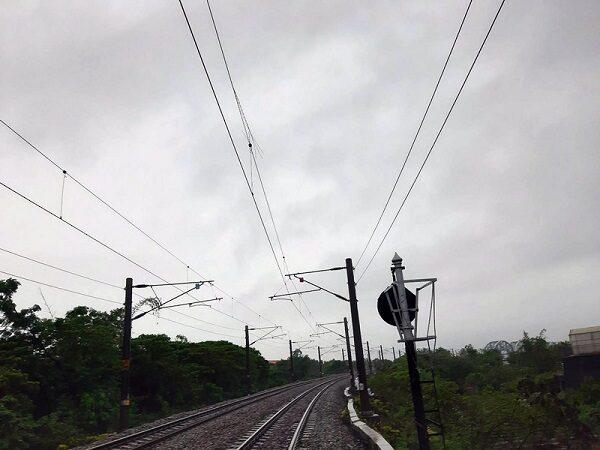台男趕火車不慎落軌死亡 板橋樹林間列車延誤