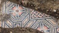 埋地千百年重见天日 意国发现古罗马绝美地板